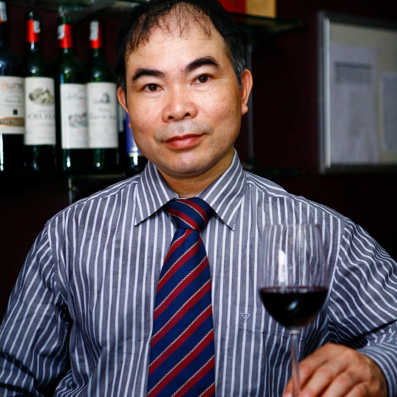 Tô Việt - Chuyên gia thử nếm rượu vang